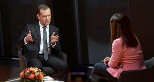 Медведев исключил военные меры в качестве ответа на санкции США