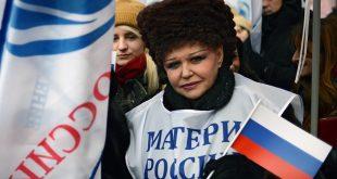 Экс-сенатор Петренко продолжит заниматься защитой материнства и детства